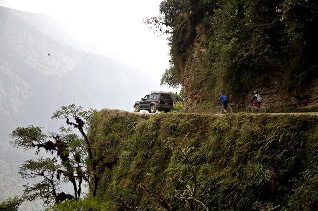 World's_Most_Dangerous_Road_Bolivia